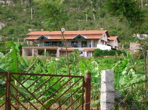 best resorts in bangalore[Silver Oak Farm]