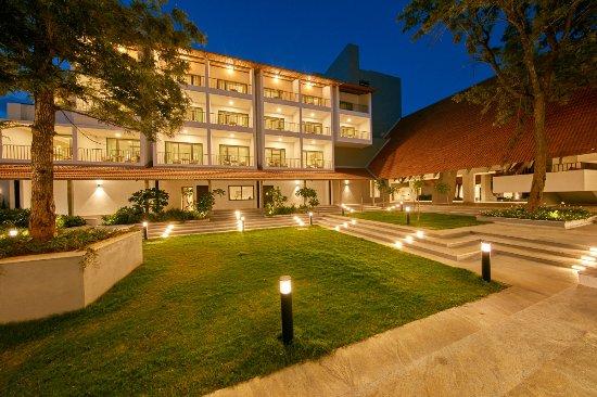 best resorts in bangalore[Signature Club Resort]