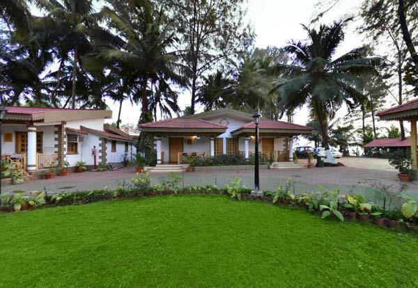 Best resorts in mumbai[Golden Swan Beach Resort]