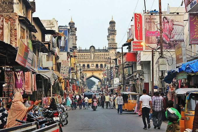 Best places to visit in Hyderabad[laad bazaar]