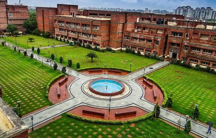 Top engineering colleges in Delhi[Netaji Subhas Institute of Technology]