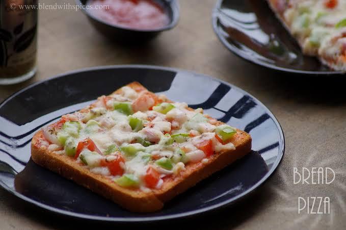Quarantine food [Bread pizza]